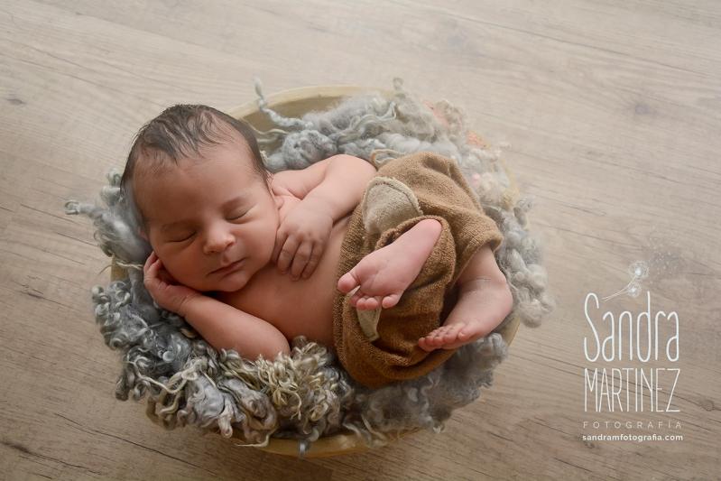 newborn barcelona-fotografia-ripollet-embarazo-barcelona-newborn-nounat-familia-fotos-de-embarazo-bebes-fotografia-creativa-