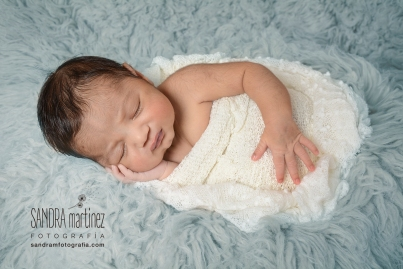 FOTOGRAFIA-NEWBORN-BARCELONA-RIPOLLET-RECIEN NACIDO-NOUNATS-BEBES-BABY-ESTUDIO- FOTOGRAFICO-REPORTAJE-NIÑOS - EMBARAZADAS -rnewbornbarcelona